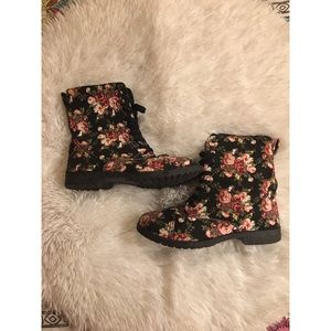 Floral Lace Up Combat Boots *LIKE NEW*